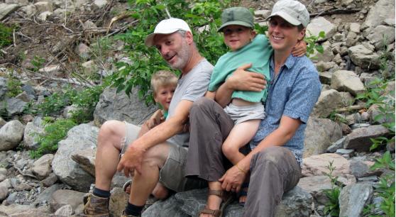 SetSize558306-Cheticamp-dads