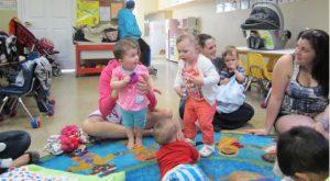 SetSize558306-Little-Girl-Dancing-Group